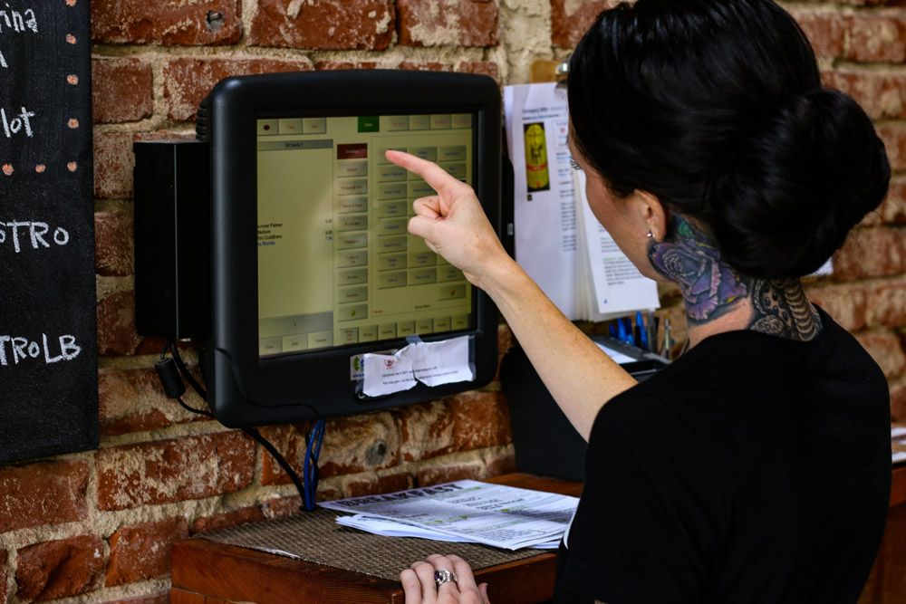 HOW TO MAKE YOUR RESTAURANT TECHNOLOGY WORK FOR YOU